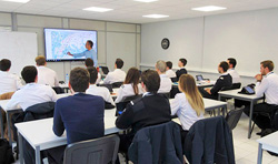 pilot students ground course at Cannes Aviation
